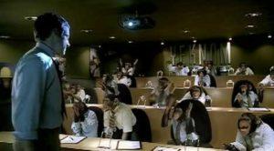 Sean Howard intentado explicarle las reglas a grupo A con gran frustración.