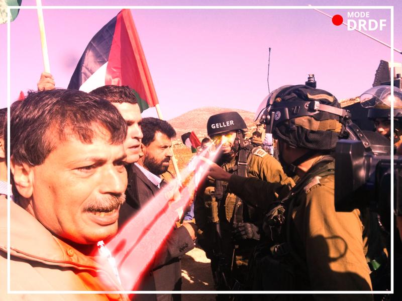 Soldado sionista causándole un infarto a Ziad Abu Ein con sus poderes telequinéticos. Foto: Al Jazeera
