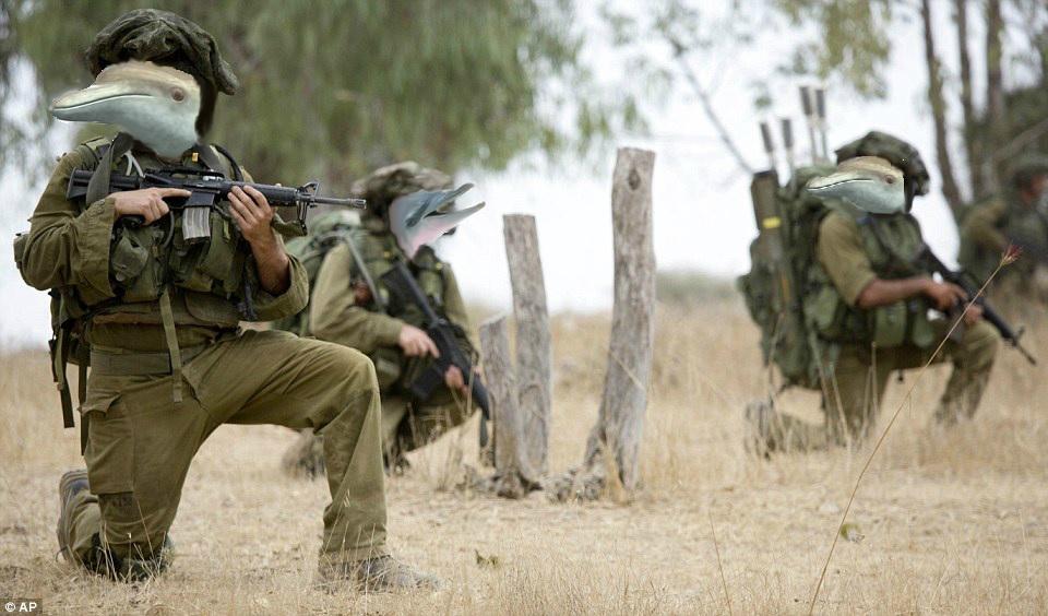 """Unidad Secreta """"Gefilte Fish"""" en pleno ejercicio militar"""